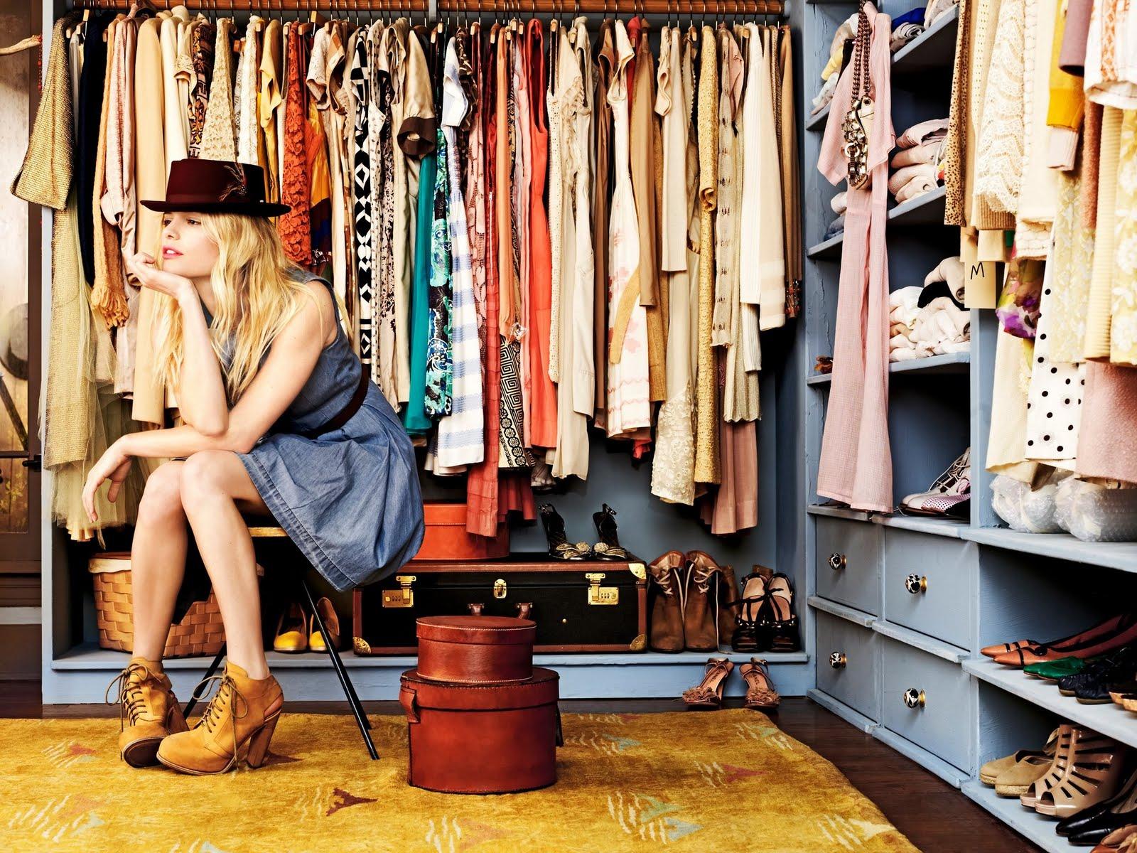 3 Must Have Tips For Cleaning Out Your Closet On Campus
